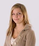 白肤金发的纵向妇女年轻人 免版税库存照片