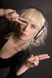白肤金发的耳机 免版税图库摄影