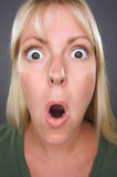 白肤金发的震惊妇女 库存图片