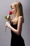 白肤金发红色浪漫上升了 免版税库存照片