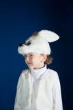 白色兔宝宝的男孩 库存图片