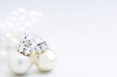 白色冬天圣诞节装饰 库存图片