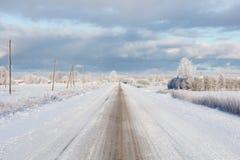 白色冬天路 免版税库存图片