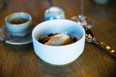 白色冰淇凌,咖啡 免版税库存照片