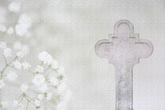 白色十字架和希望葬礼卡片 库存照片