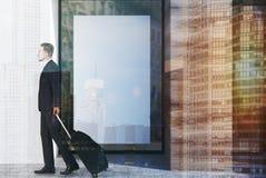白色和木咖啡馆门面,海报接近,人 免版税图库摄影