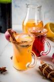 白色和炽热桑格里酒 免版税库存图片