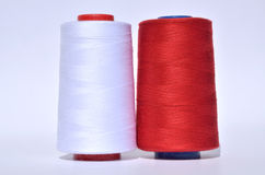 白色和红色螺纹 库存照片