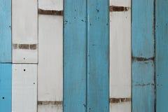 白色和蓝色木纹理 免版税库存图片