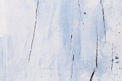 白色和蓝色木背景 免版税库存照片