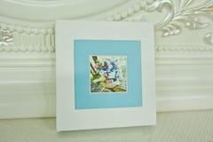 白色和蓝色paspartu婚礼照片书 免版税库存照片