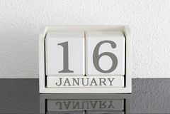 白色块日历礼物日期16和月1月 免版税库存图片