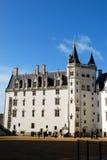 白色城堡在南特 库存图片