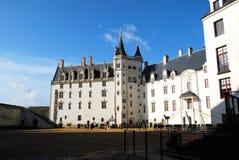 白色城堡在横拍的南特 图库摄影