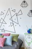 白色墙壁是创造的您自己的装饰一个完善的地方 免版税库存图片