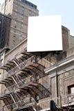 白色大广告牌和踏台 免版税库存图片