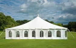 白色大门罩事件帐篷 免版税库存图片