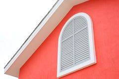 白色天空背景的欧洲风格的房子 图库摄影