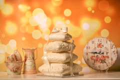 白色婚宴喜饼 免版税图库摄影