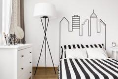 白色家具在卧室 图库摄影