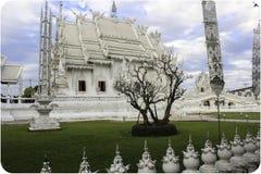 白色寺庙在清莱,泰国 库存图片