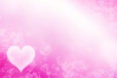白色心脏和桃红色背景 免版税库存图片