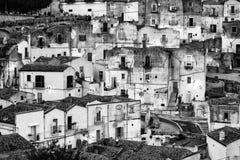 白色房子在Monte Sant& x27; 安吉洛- Gargano -普利亚 免版税库存图片