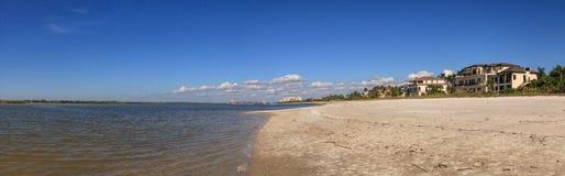 白色接近Tigertail海滩的沙子私有海滩在Marco Islan 库存图片