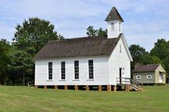 白色教会在农村乔治亚,美国 免版税库存照片