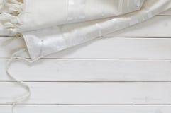 白色晨祷披巾- Tallit,犹太宗教标志 库存图片