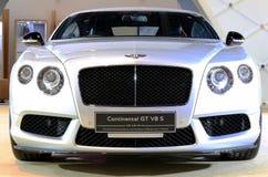 白色本特利系列大陆GT V-8 S豪华汽车 库存图片