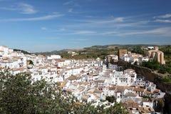 白色村庄在安大路西亚西班牙 免版税库存照片