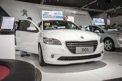 白色标致汽车301汽车被打开的门 免版税图库摄影