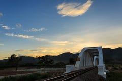 白色桥梁是日本的战士的地标 库存照片