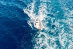 白色汽船 免版税图库摄影