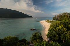 白色沙子,酸值Lipe海岛-泰国 库存照片