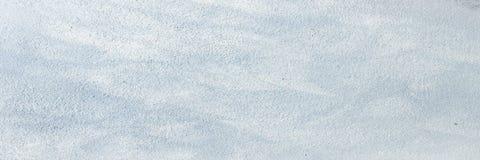 白色洗涤了与刷子冲程的被绘的织地不很细抽象背景在灰色和黑树荫下 抽象绘画艺术背景 免版税库存照片