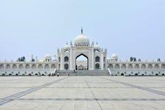 白色清真寺在惠山文化中心在银川,宁夏省,中国 库存图片