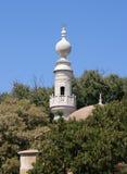 白色清真寺尖塔 免版税库存图片