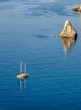 白色游艇在黑海 库存图片