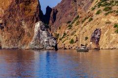 白色游艇在黑海 免版税图库摄影