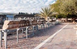 白色犹太教堂的遗骸在Capernaum 免版税图库摄影