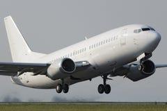 白色狭窄的身体喷气机飞机 免版税库存图片