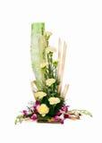 白色玫瑰色花花束  免版税库存照片