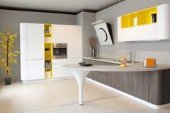 白色现代色的厨房和黄色 免版税库存照片