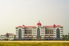 白色的旅馆被隔绝的 免版税库存照片