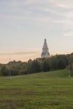 白色石头俄国基督教会  库存照片