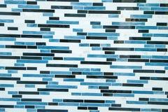白色砖墙特写镜头有蓝色油漆的 图库摄影