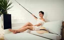 白色礼服的女孩在度假 旅途 突尼斯 假期 免版税库存图片