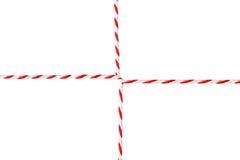 白色红色绳索,邮政信封绳子,被包裹的麻线丝带 库存照片